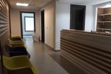 Un bureau pour activité médicale ou paramédicale ou agence de voyage médicale