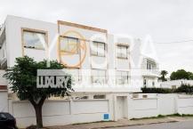 A vendre un immeuble de 900 m² à usage de bureau à El menzah 1