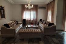 Location d'une grande villa sur deux niveaux à la Soukra