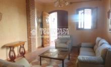 Villa meublée de 180 m² sur un terrain de 170 m² à la cité R4